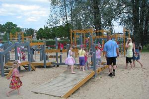 Mänguväljak Viljandi järve rannas