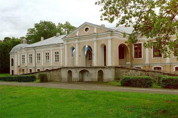 Gutsfof Vääna (dt. Fähna) und der Gutshofpark