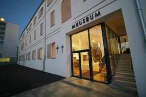 Opastettu kierros Pärnun museossa