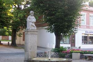 "Rootsiturg ja skulptuur ""Poiss kalaga"""