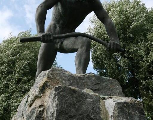"""Skulptur """"Stockbrecher"""""""