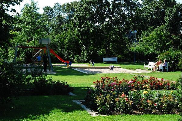 Детский игровой парк в Хаапсалу на улице Пости