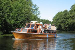 Brauciens ar kuģi M/L Alfa pa Emajegi upi
