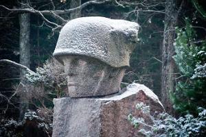 Kivi - Jürin muistomerkki