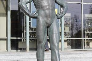 Martin Kleins staty