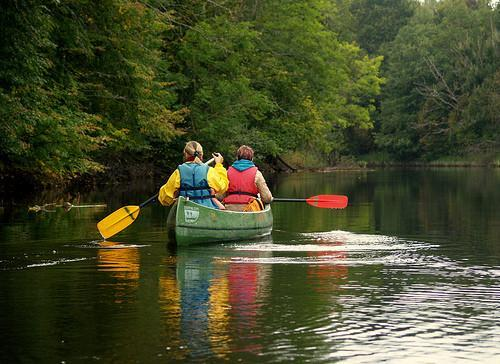 Enjoying the autumn colours of Soomaa on a canoeing trip!
