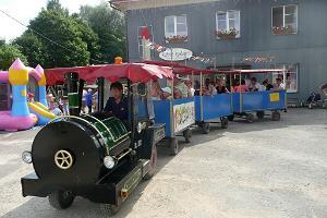 Kiertoajelu Võhman kaupungissa minijunalla