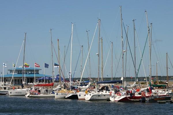 Roomasaare hamn