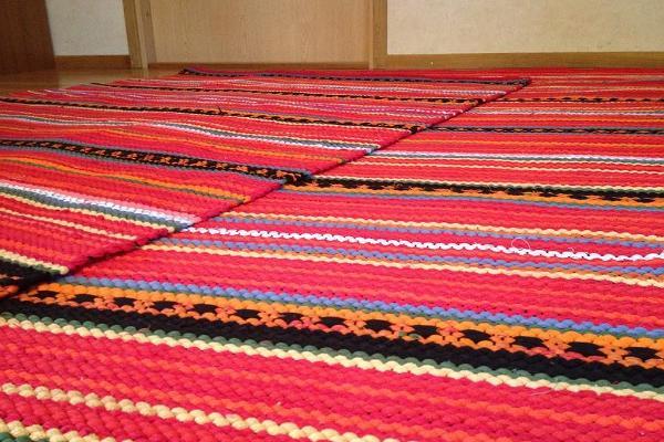Weaving Studio Vaibapesa at Maarja-Magdaleena Gild: woven rugs, shawls, folk costumes, plaids, tablemats and other products