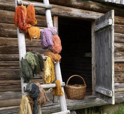 Yarn-dyeing workshop