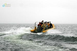 Brauciens ar ātrlaivu uz Mazo Pakri (Väike-Pakri) salu