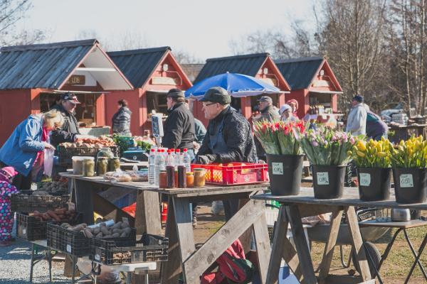 Хуторской рынок в Виймси