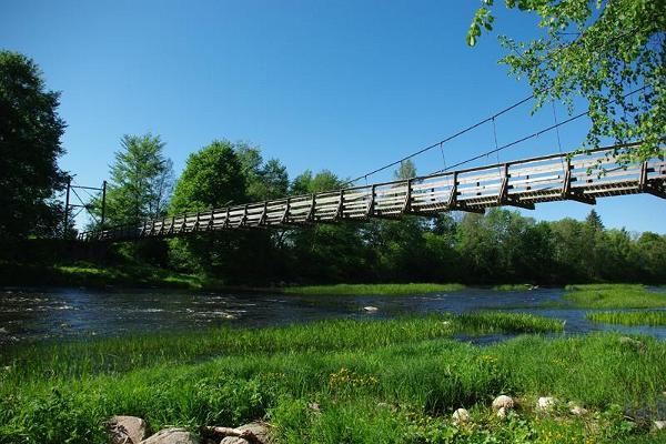 Hängebrücke von Jõesuu