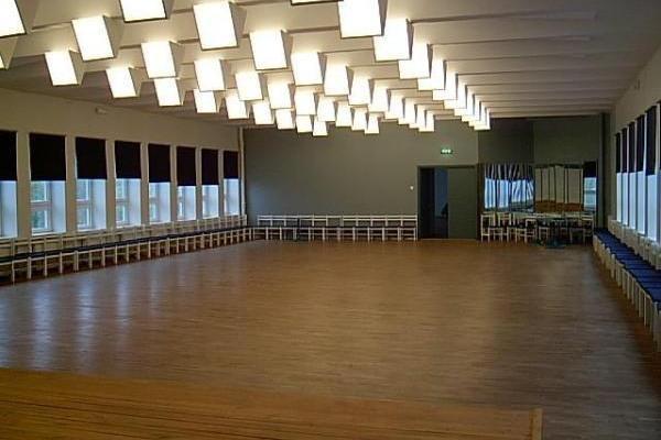 Haljalas Tautas nama konferenču zāle un koncertzāle