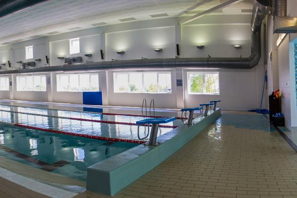Kundas Sporta centra peldbaseins