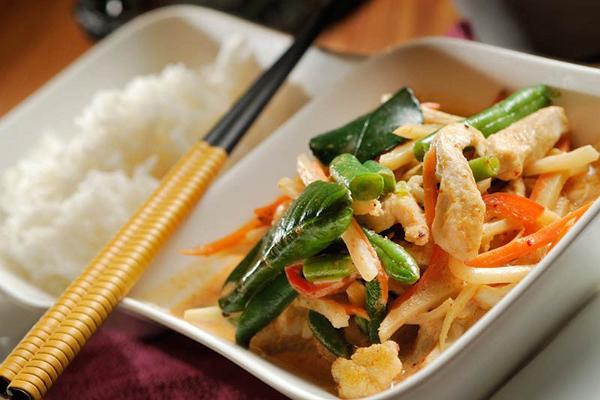"""Ресторан азиатской кухни """"Riis"""""""