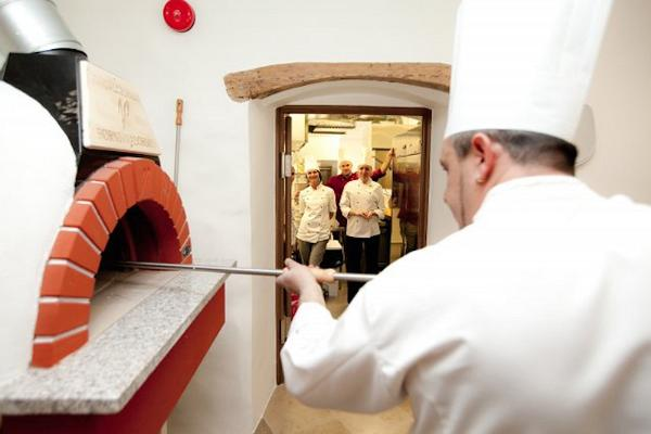 Restoran ja Pizzeria Gelsomino