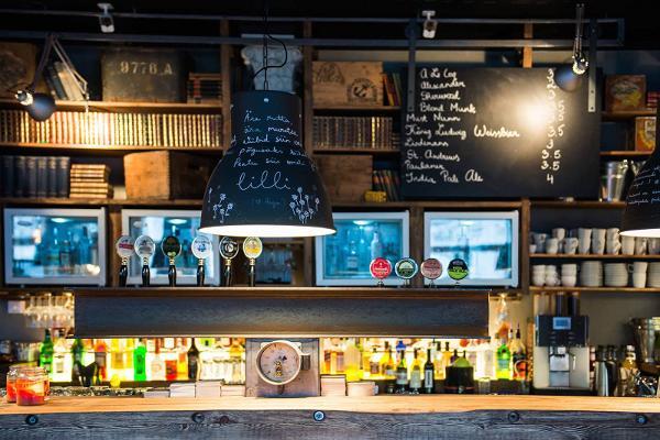 Pööbel, bar-pub