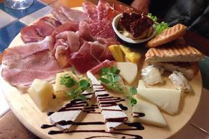 Итальянский бар и закусочная Osteria del Gallo Nero