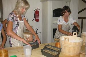 "Workshop ""Baking home made bread"""