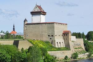 """Giidiga elamusekskursioon """"Vana Narva Legendid"""" Narva linnuses"""