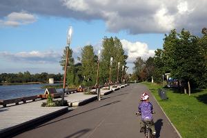 Health track on the left bank of the River Pärnu, or Jaanson