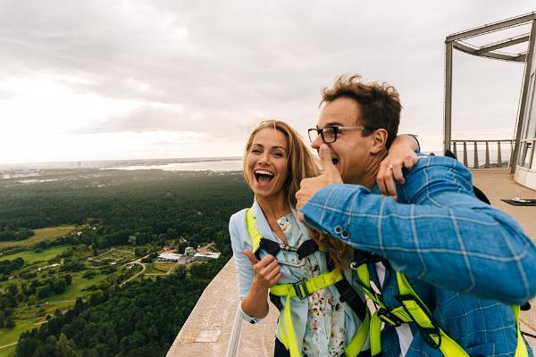 Servakõnd Tallinna Teletorni 175 meetri kõrgusel avatud rõdul!