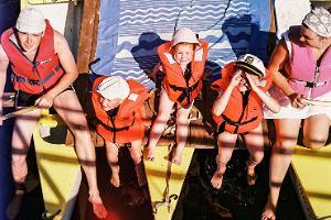 Samliku pārgājienu mājas kanoe plostu braucieni pa Pērnavas upi