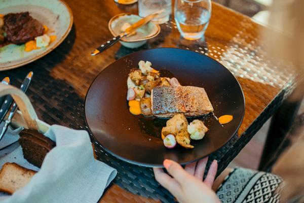 Herkuttelijan-Viro-ravintolat-ruoat-ja-juomat