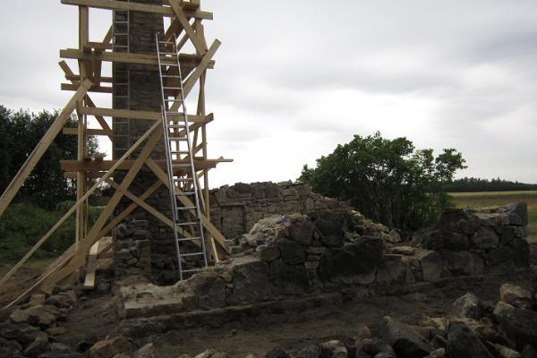 Die Ruinen des Gutshofs Voose (Wosel, Woßel, Woßell)