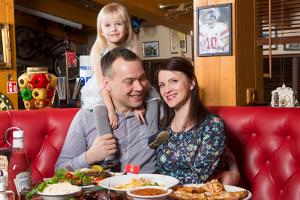 BabyBack Ribs & BBQ i Pärnu i centret Kaubamajakas