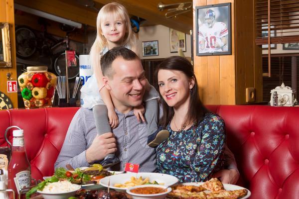 BabyBack Ribs & BBQ in Pärnu im Zentrum Kaubamajakas