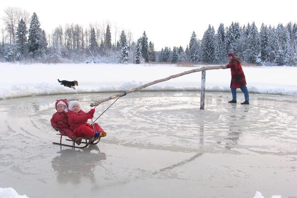 Зимний снежный отдых на туристском хуторе Васкна в Хаанья