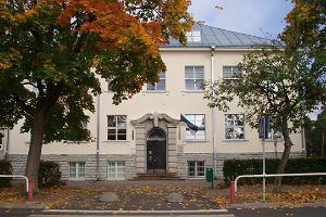 Здание Кейлаской начальной школы – памятник павшим в Освободительной войне