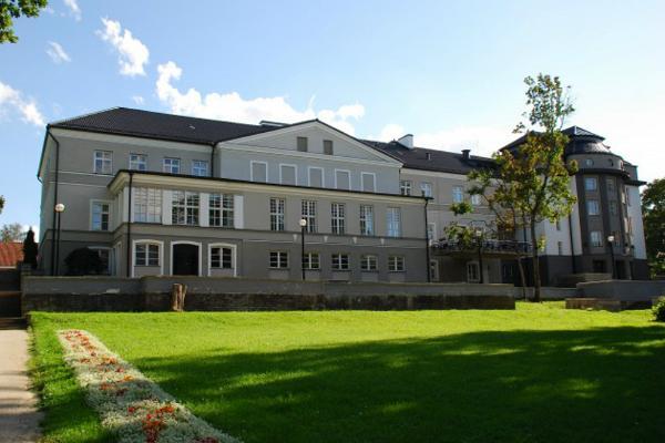 Der Gutshof und der Gutshofspark von Rakvere