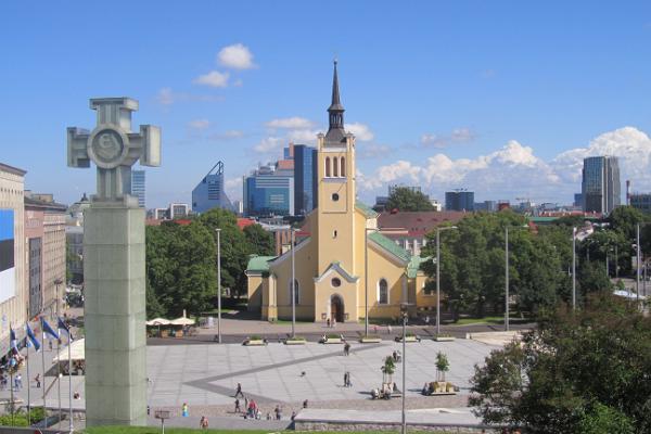 Vabaduse väljak ja Vabadussõja võidusammas Tallinnas