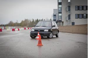 Slaalomsõit vigurautoga LaitseRallyPargis