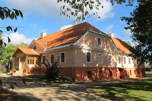 Karksi herrgård och park