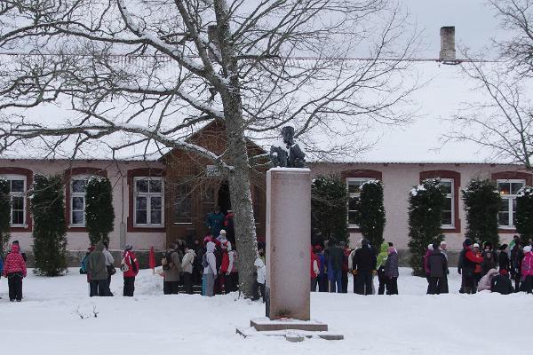 Anton Hansen-Tammsaare monument Järva-Madisel
