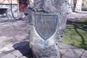 Minnessten tillägnad Nikolaikyrkan