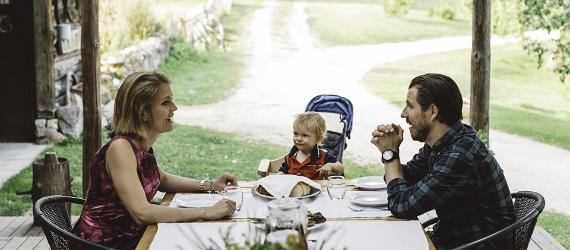 Igaunijā-ģimenes-vat-atrast-dažādas-piemērotas-viesnīcas-SPA-viesu-namus
