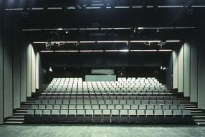 Taidemuseo Kumun auditorio