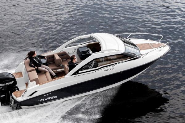 Till Aegna med motorbåt