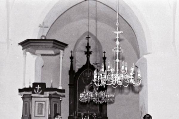 Viru-Nigula Püha Nikolause kirik ja kirikuaed