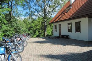 Kurtnas Motociklu muzeja Brīvdienu māja