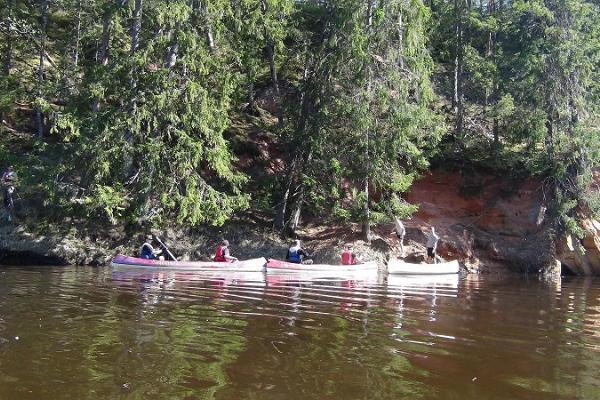 """""""Livonia Makad"""" rīkotie vairāku dienu izbraucieni ar kanoe pa Salacas upi pavadoņa vadībā"""