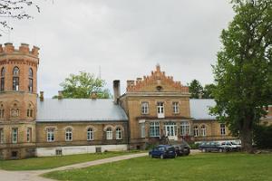 Lustivere Manor