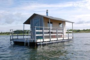 Pusku floating sauna