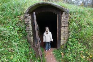 Die Höhlen von Allikukivi