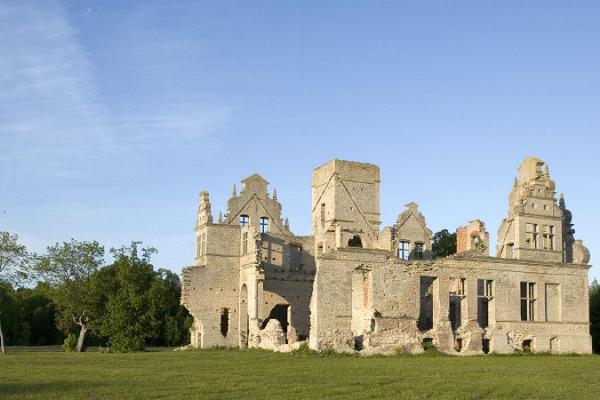 Tour of Baltic German manors